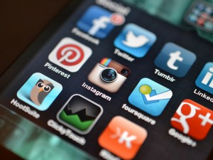 Understand and Manage Your Social Media Profiles Better with these 8 Apps
